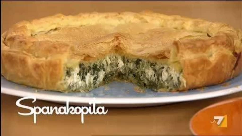 Dal menù greco di Benedetta la ricetta della spanakopita (video)