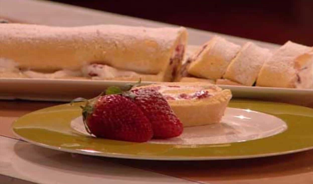 Ricette dolci Benedetta Parodi: rotolo di fragole (video)