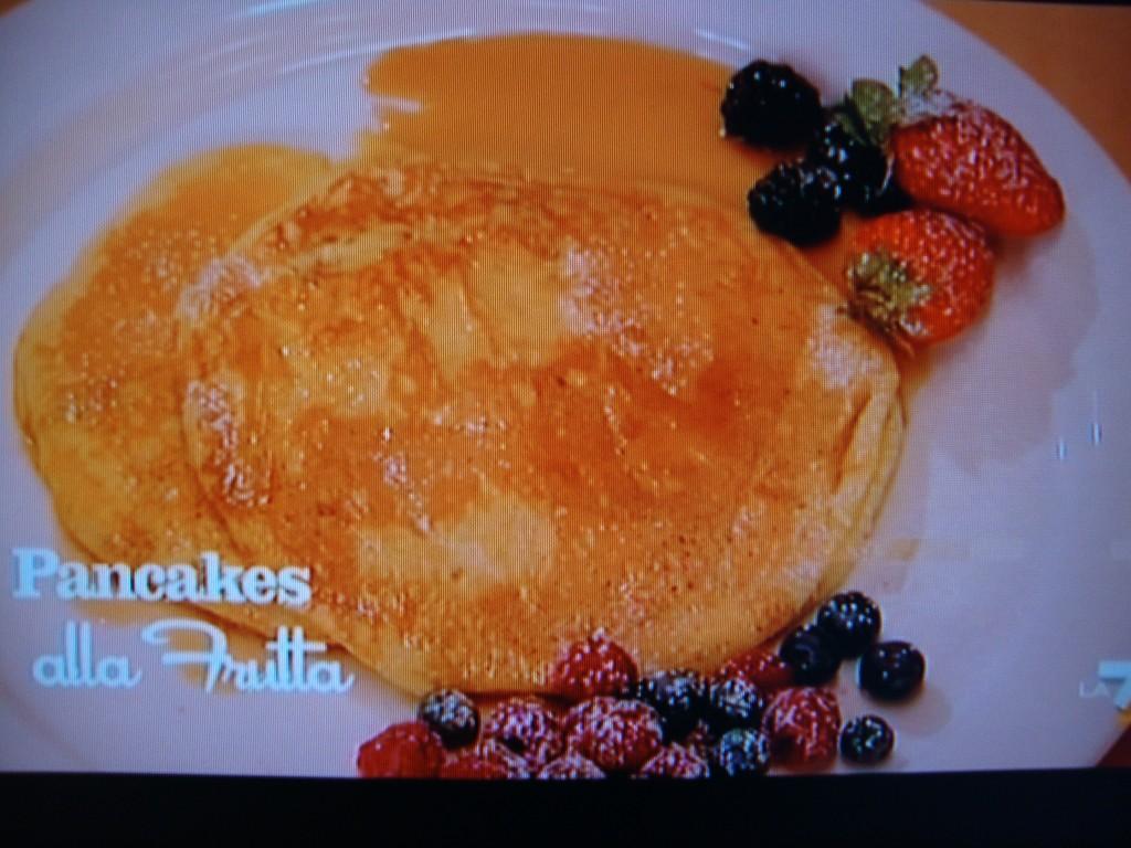 Ricetta Pancake Benedetta Rossi.Benedetta Parodi Prepara Pancakes Alla Frutta La Ricetta Ultime Notizie Flash