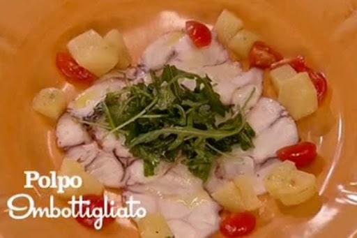 Benedetta Parodi prepara il polpo imbottigliato (video)