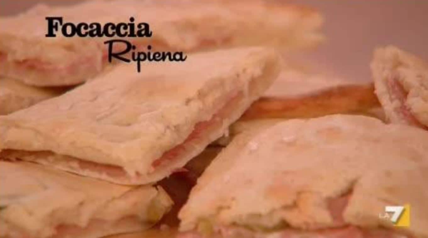 Benedetta Parodi, nuove ricette: focaccia ripiena (video)