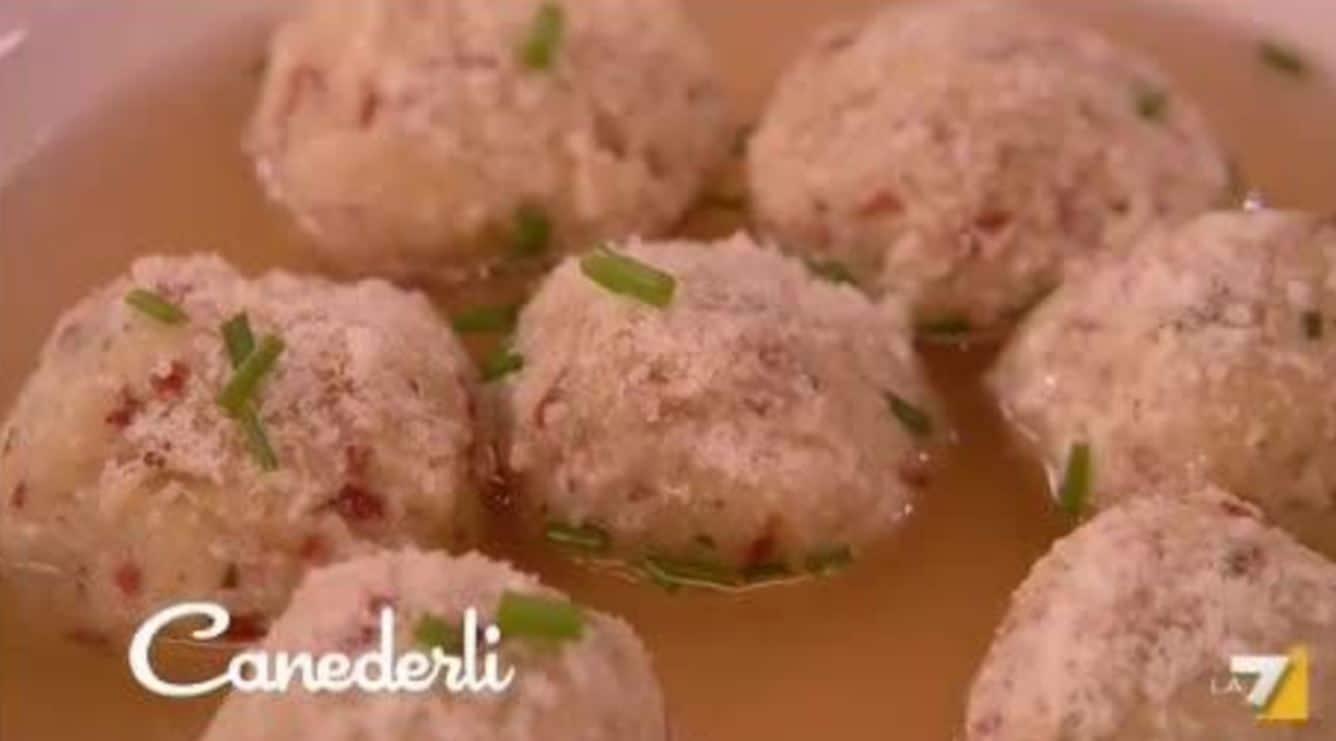 Dal menù ultimi freddi la ricetta dei canederli (video)