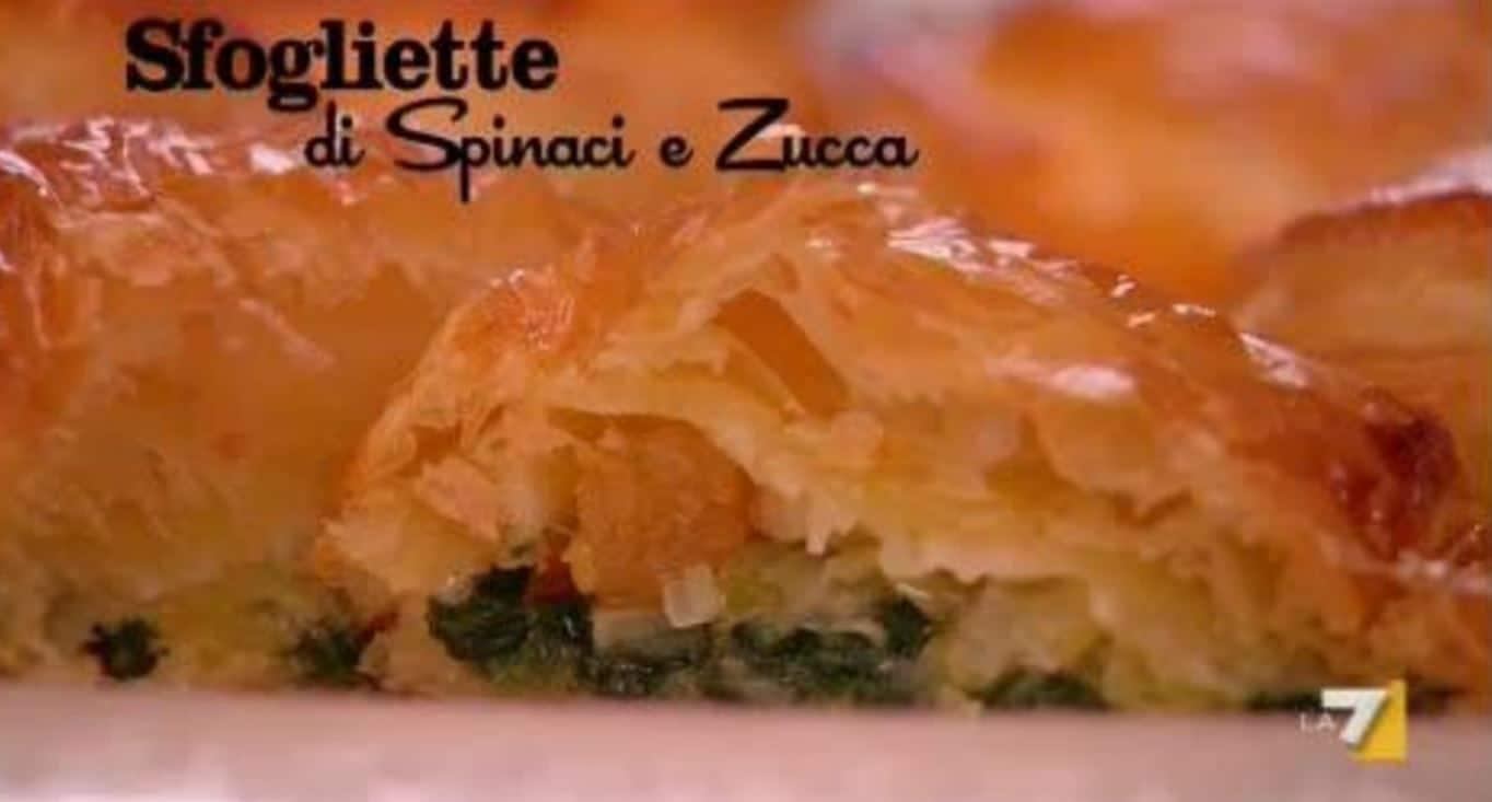 Benedetta Parodi prepara le sfogliette di spinaci e zucca (video)