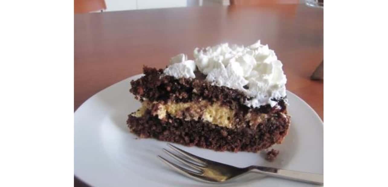 Ricette dolci senza glutine: torta alle mandorle e cioccolato ripiena e morbidissima