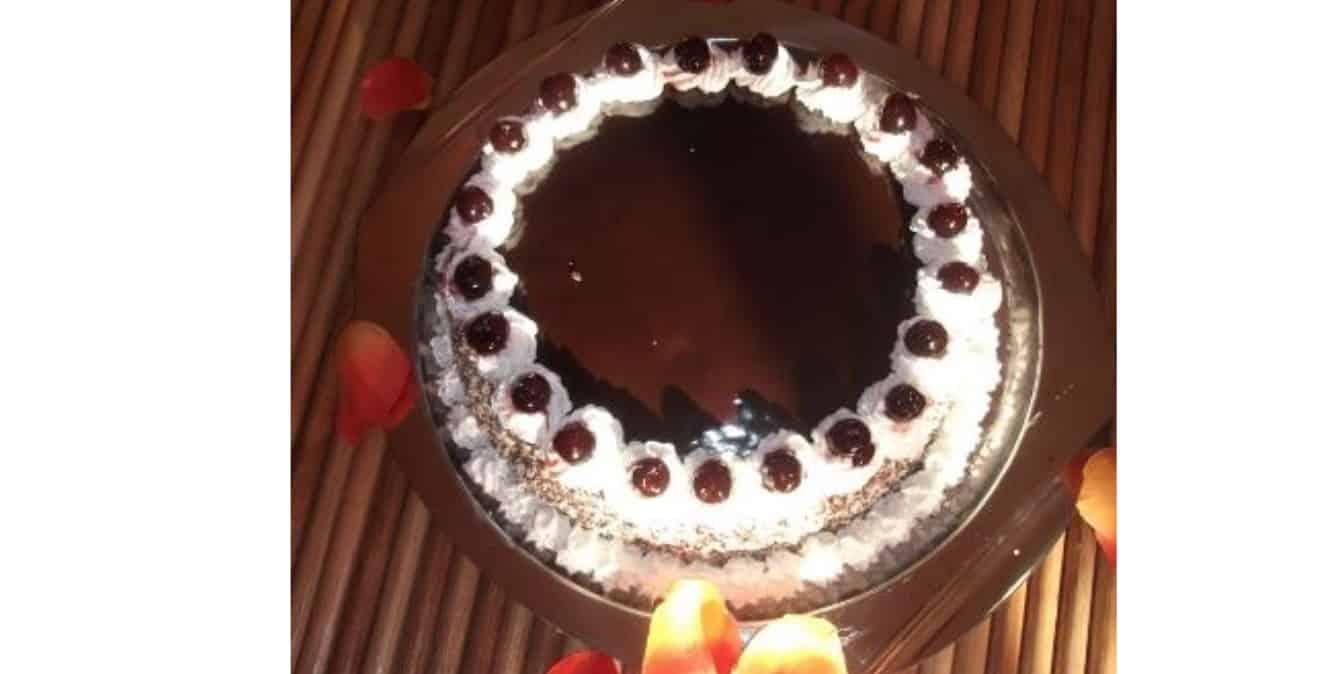 Ricette dolci senza glutine: torta cioccolato e amarene