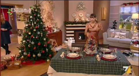 I Menu Di Benedetta Natale.L Albero Di Natale Fatto Con I Giornali Di Benedetta Parodi Ultime Notizie Flash