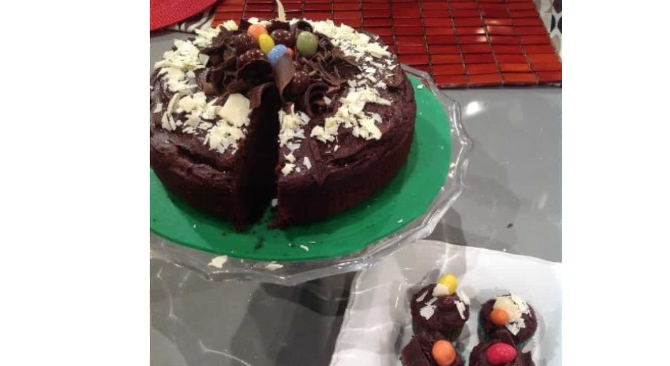 La ricetta della torta al cioccolato con zucchine di Natalia Cattellani