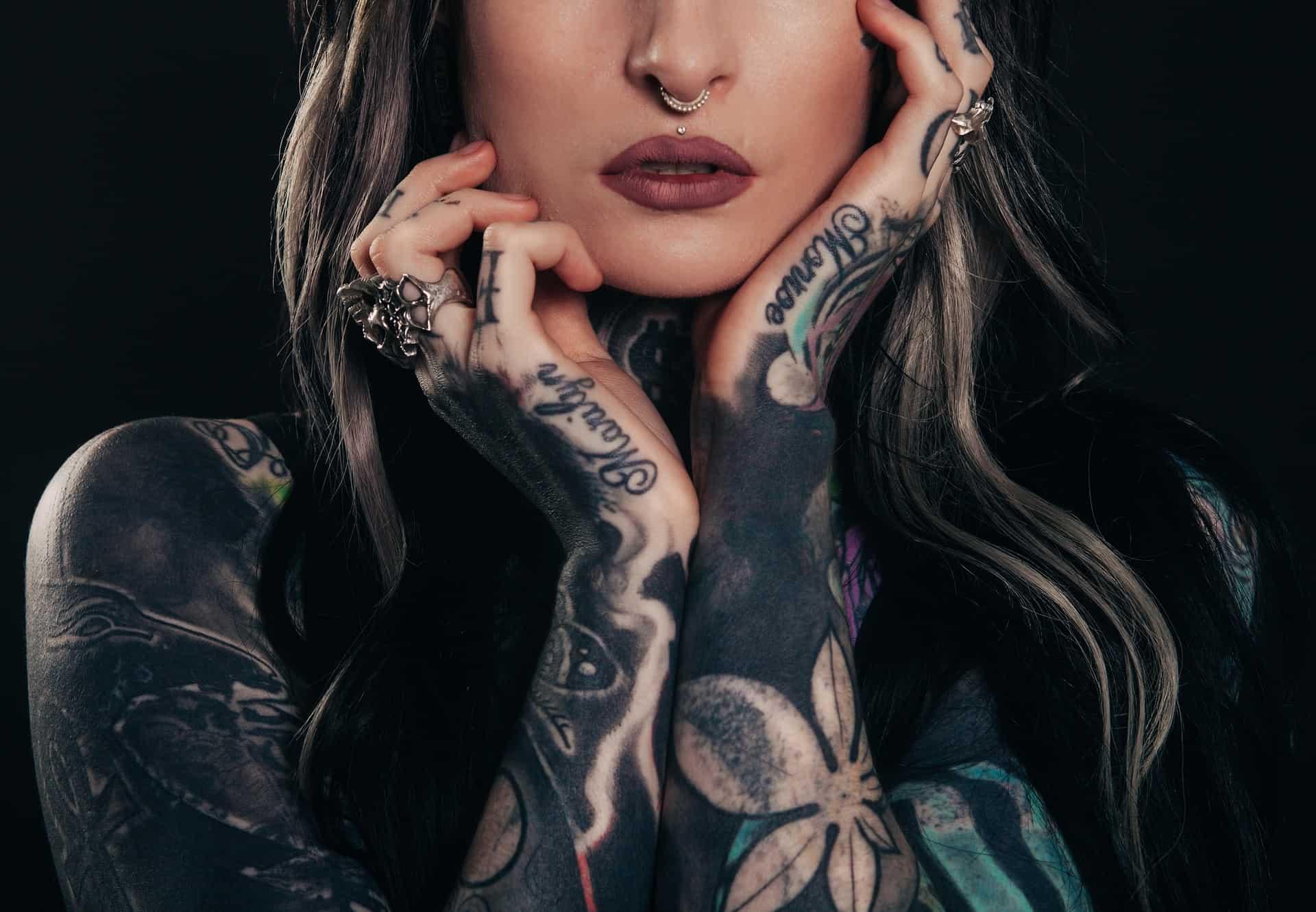 Tattoo, pericolosi per la salute: le ultime notizie