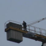 Lecce: operaio muore schiacciato dal braccio meccanico della gru