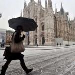 Maltempo, prima neve a Milano. Rimane l'allerta al Sud