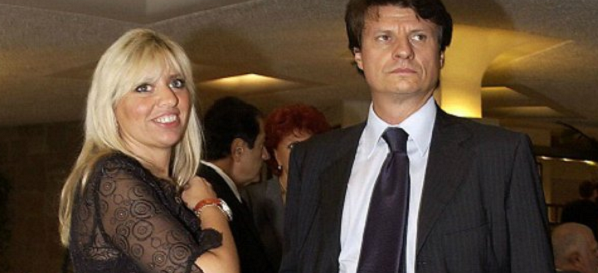 Alessandra Mussolini E Il Marito Insieme A Messa Dopo Lo Scandalo Foto Ultime Notizie Flash