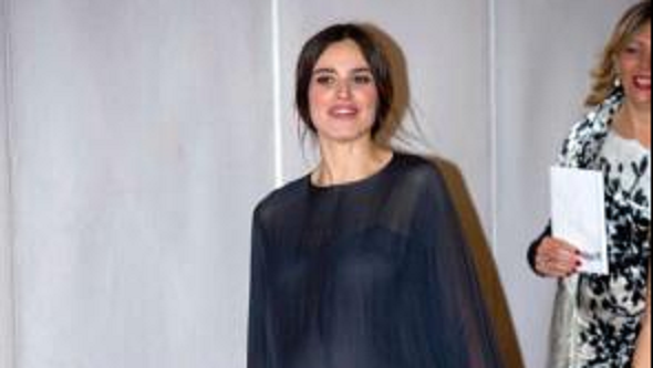 Kasia Smutniak col pancione ai David di Donatello in abito trasparente (FOTO)