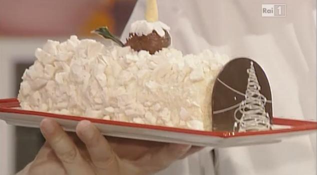 Tronchetto Di Natale La Prova Del Cuoco.Tronchetto Di Natale Pere E Meringhette La Ricetta Di Paolo