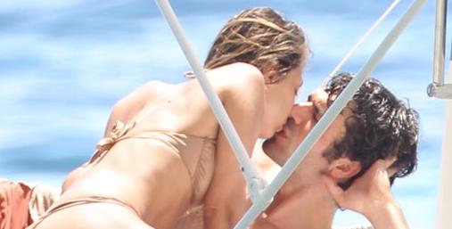 Myriam Catania in topless con Luca Argentero che non sa resisterle (FOTO)