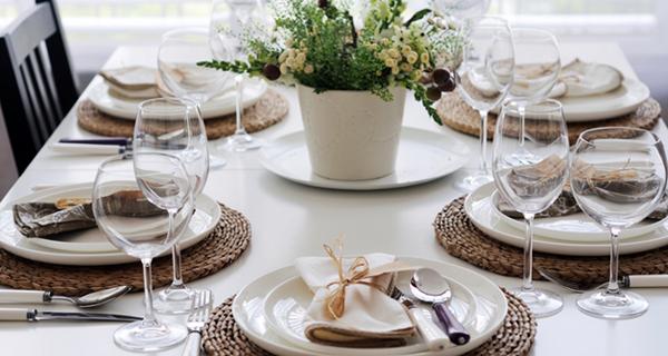 Come apparecchiare la tavola in estate - Non sprecare