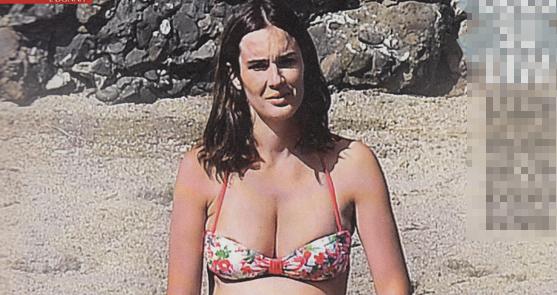 c1ff0919d6ee Silvia Toffanin col pancione in un bikini che non contiene tutto (FOTO)