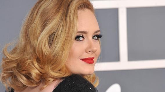 Adele: il ritorno con il suo nuovo album 25, sarà vero questa volta? (VIDEO)