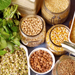 Prevenire il cancro con gli 8 alimenti suggeriti dal professore Franco Berrino