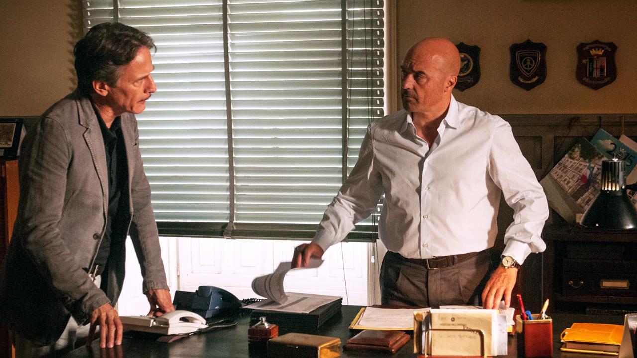 Il commissario Montalbano torna anche al venerdì: Il gioco degli specchi stasera su Rai1 | Ultime Notizie Flash