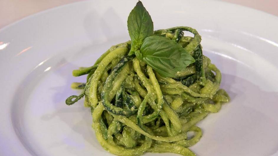 Ricetta Pesto Light.La Ricetta Degli Spaghetti Di Verdura Con Pesto Light Di Paola Galloni Ultime Notizie Flash