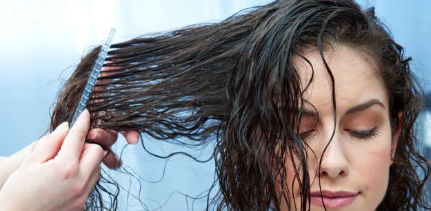 Come gestire i capelli ricci, i consigli dalla shampoo all'asciugatura