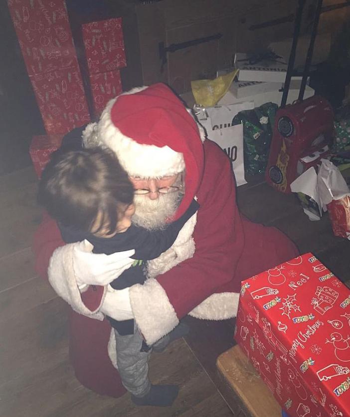 Per Belen Rodriguez Natale in montagna ma senza Andrea Iannone (Foto)