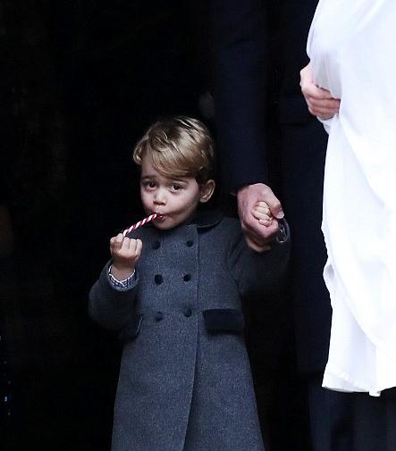 Il Natale di Charlotte e George: i dolci non possono mancare (FOTO)