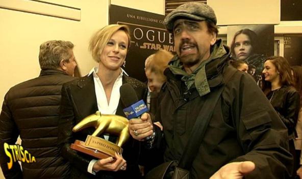 Il tapiro d'oro a Federica Pellegrini per la crisi con Magnini: lei non conferma nè smentisce