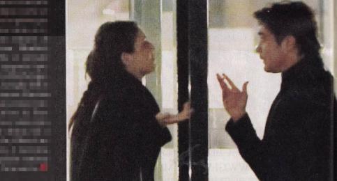 Riccardo Scamarcio pizzicato a cena con Martina (Foto)