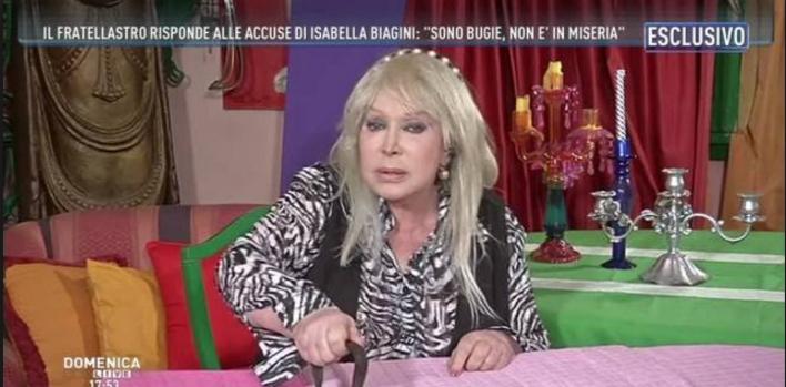 Incendio a casa di Isabella Biagini: l'attrice in ospedale, ci sono feriti