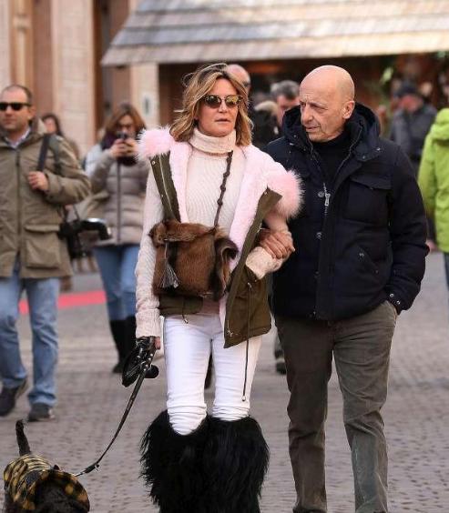 Alessandro Sallusti, l'ex di Daniela Santanchè con la nuova compagna a Cortina (Foto)