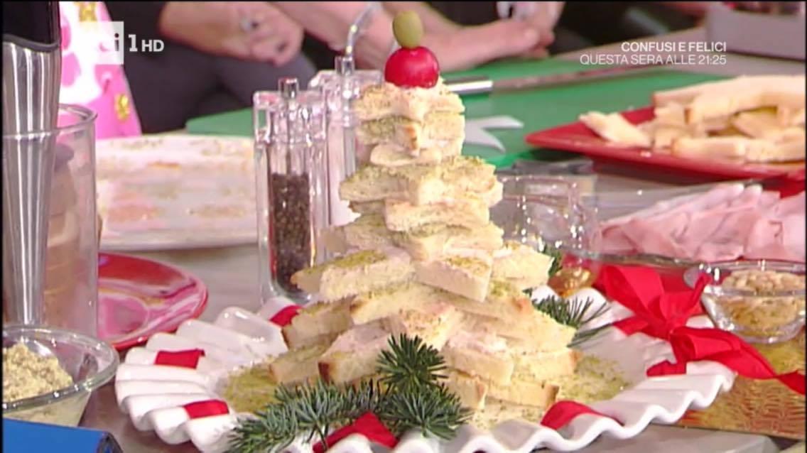Ricette Anna Moroni La prova del cuoco: stelline di pan brioche con patè