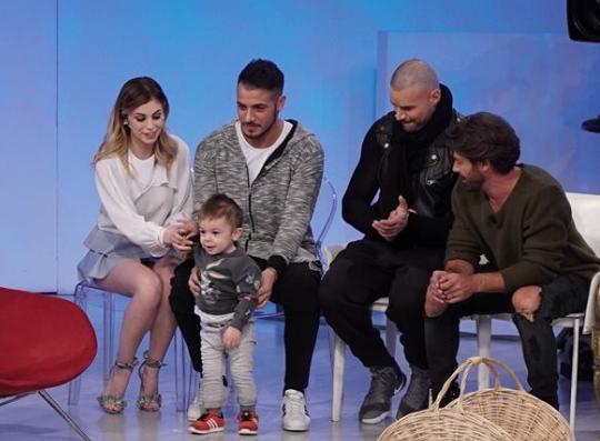 Aldo e Alessia di nuovo insieme: felici con il piccolo Nicolò a Uomini e Donne (VIDEO)