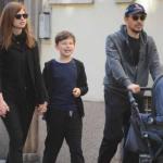 Stefano Accorsi e Bianca Vitali, prima uscita della famiglia allargata con tutti i figli dell'attore (Foto)