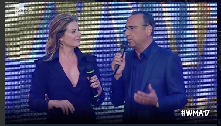 Vanessa Incontrada osa con una scollatura provocante ai Wind Music Awards 2017