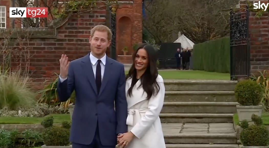 Harry d'Inghilterra e Meghan Markle debutto ufficiale per la coppia e occhi puntati sull'anulare (foto)
