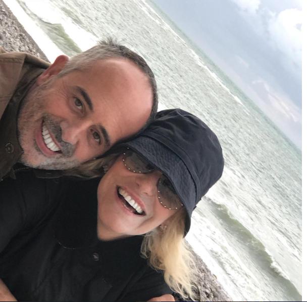 Antonella Clerici in vacanza con Vittorio Garrone e Malle nel suo posto del cuore (Foto)