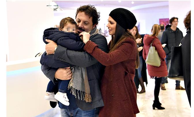 Enrico Brignano e Flora Canto ospiti stasera al Maurizio Costanzo Show con le emozioni per la figlia Martina (Foto)