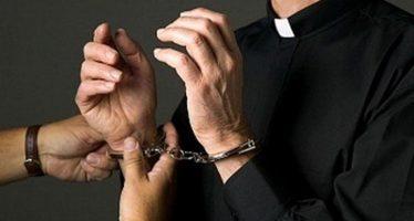 prete di catania arrestato per violenze
