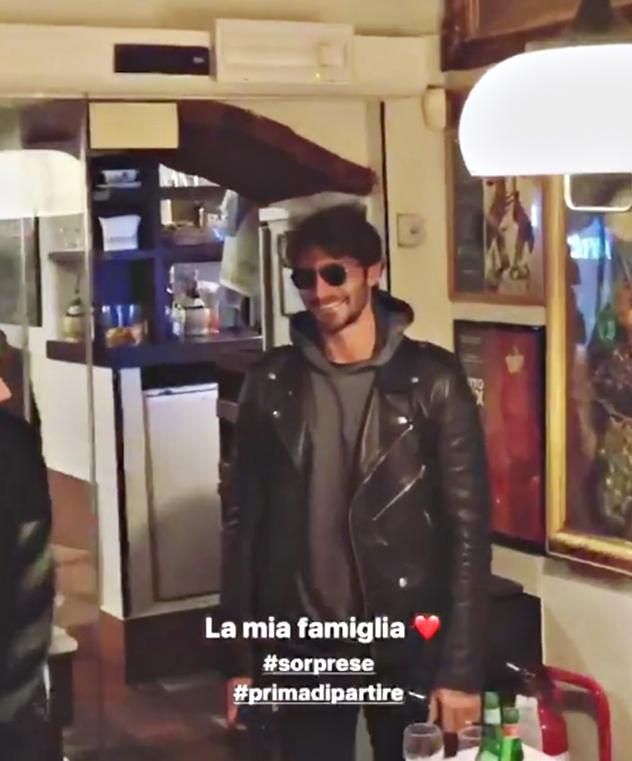 Per Stefano De Martino una sorpresa della sua famiglia prima di partire per L'Isola dei famosi (Foto)