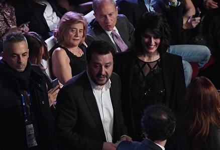 Salvini-Isoardi, sorridenti insieme a Cortina   Foto