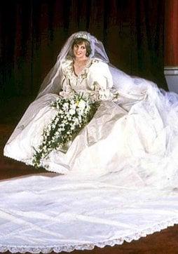 Meghan Markle rende omaggio a Lady Diana il giorno del matrimonio con Harry (Foto)
