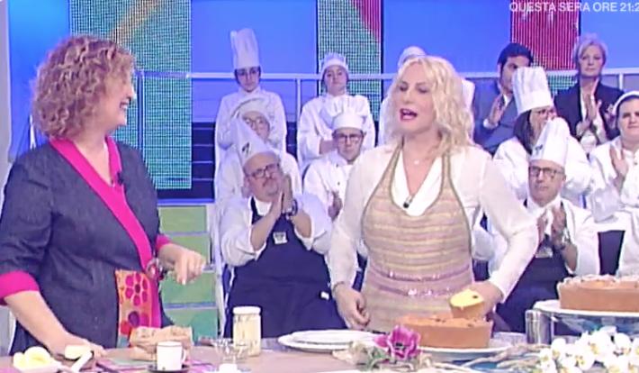 Ricette Natalia Cattellani, ciambellone soffice con water roux a La prova del cuoco ricette 14 marzo 2018 (Foto)