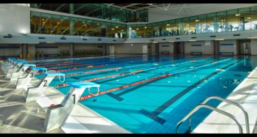 ragazzo di 17 anni muore mentre nuota in piscina, napoli