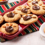 Ricette per le feste dei bambini: facciamo i biscotti con le impronte di orso