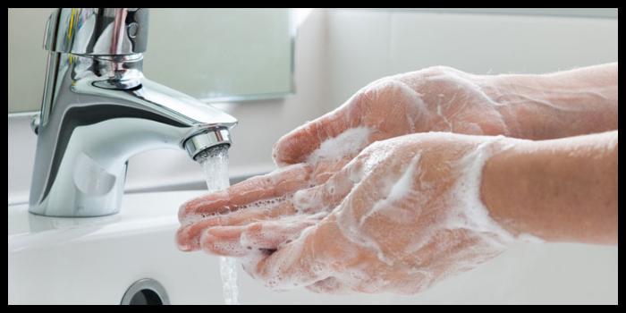 come togliere macchie inchiostro dalle mani