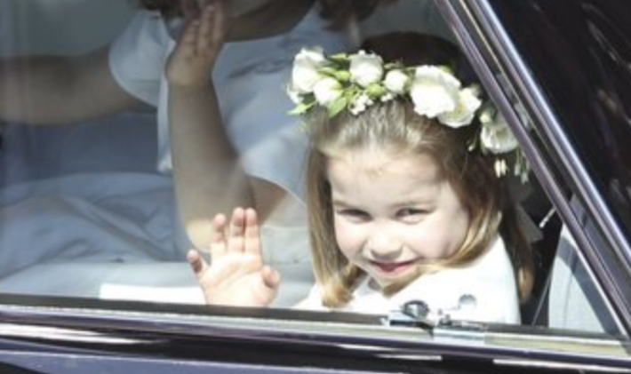 Charlotte, le sue smorfie da damigella al matrimonio di Harry e Meghan (Foto)