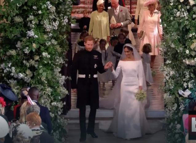 Le prime parole che Harry ha detto a Meghan in abito da sposa davanti all'altare (Foto)