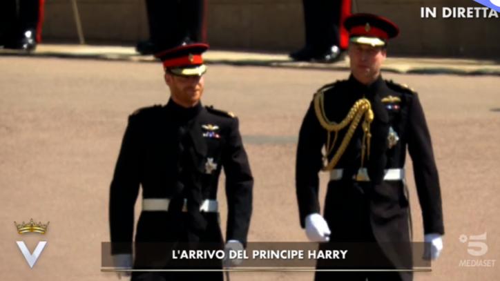 Matrimonio Harry In Chiesa : Royal wedding harry e william arrivano in chiesa in divisa foto