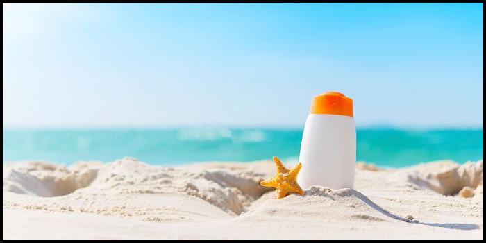 Risultati immagini per mare scottature crema solare